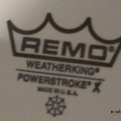 REMO Ambassador mit Dot (oben) und Dämpfring (unten) = Powerstroke X