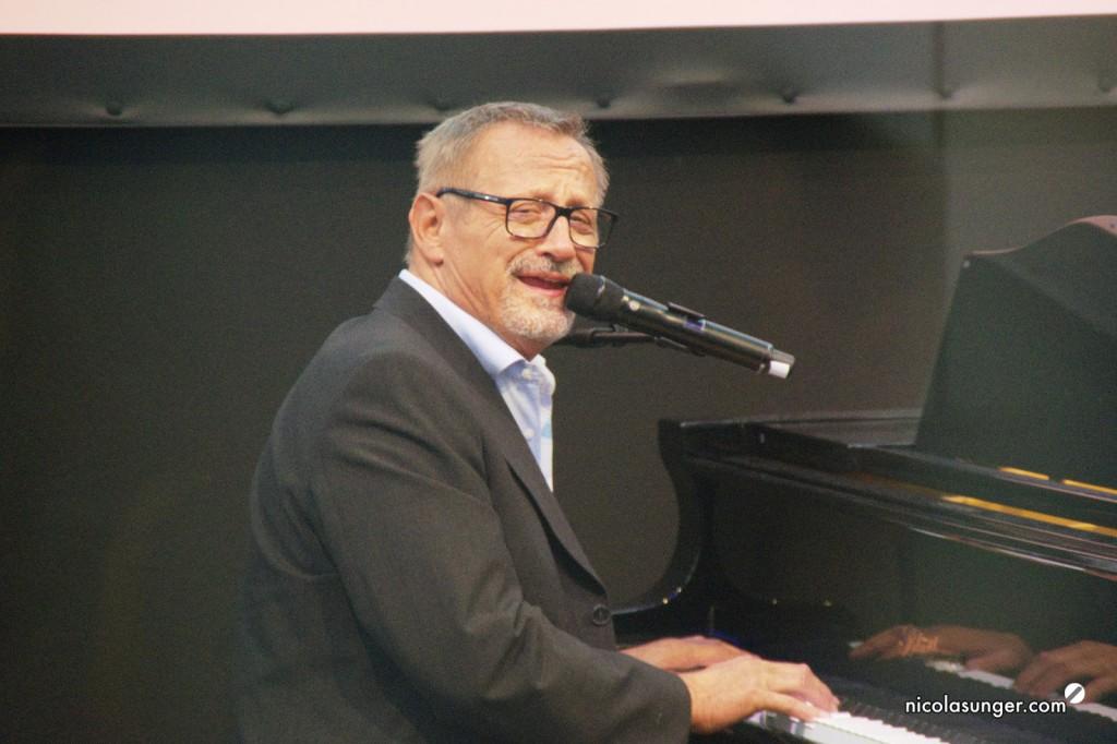 Konstantin_Wecker_Klavierspieler_des_Jahres_Musikmesse_Frankfurt_2016_2