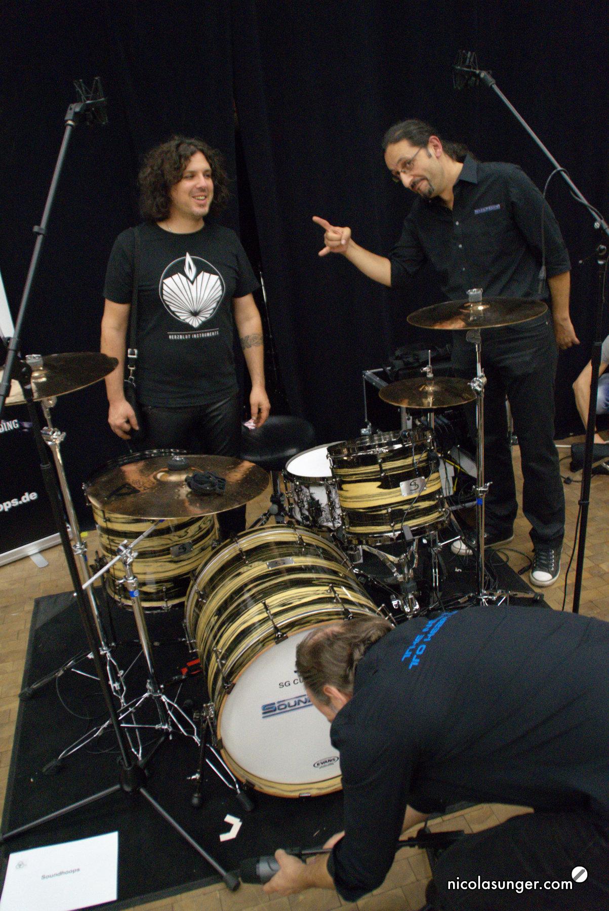 Gernot Wegele (Herzblut Instruments) und Apostolos Zaios (Soundhoops) auf der CrashIt! Vol.3